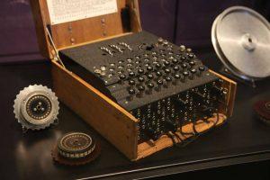 رمزنگاری چیست؟ مقدمهای بر مفاهیم رمزنگاری